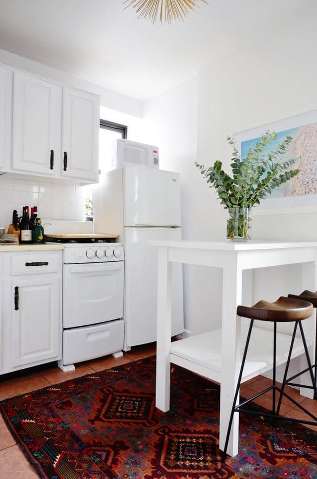 kitchen counter as a divider studio apartment