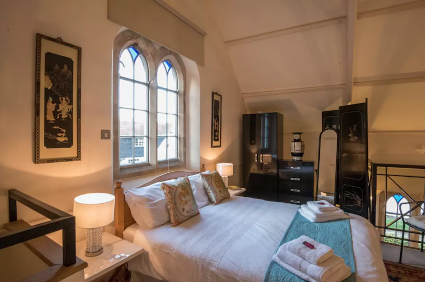 airbnb chapel at Warborough bedroom
